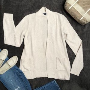 GAP Cardigan Cream Color with Pockets Sz Medium